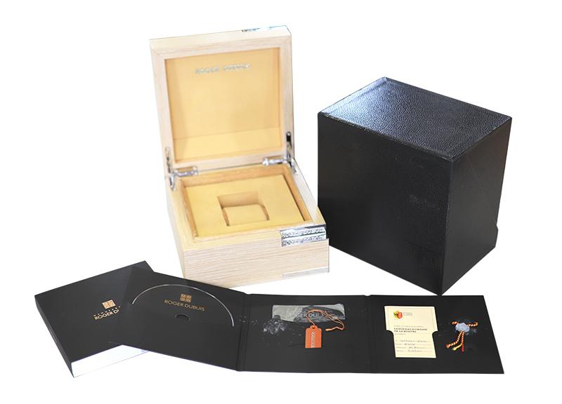 【中古】ロジェデュブイ RDDBKS0030(KS40-14-71-00-S9R00/A) キングスクエア TI 黒文字盤 自動巻き ラバー