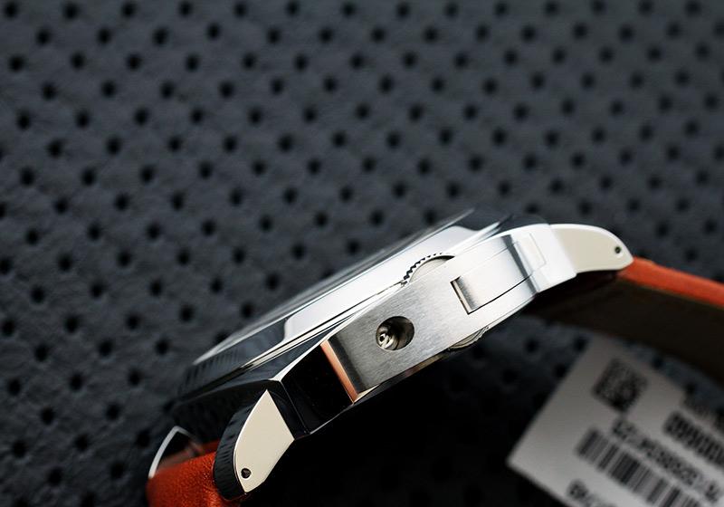 【未使用品】オフィチーネ パネライ PAM00660 ルミノールマリーナ ロゴ アッチャイオ SS 白文字盤 手巻き レザー【生産終了品】