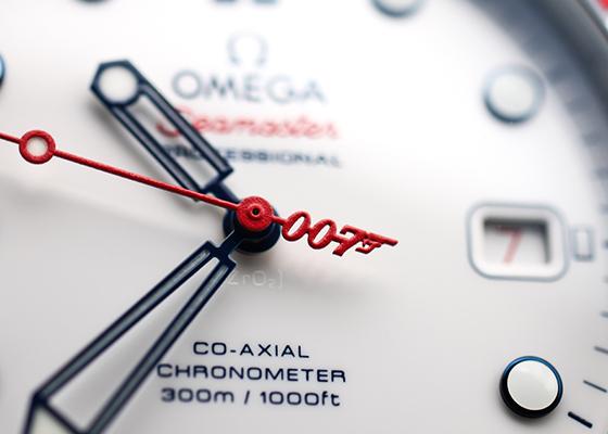 【未使用品】オメガ 212.32.41.20.04.001 シーマスターダイバー300 コーアクシャル コマンダーウォチ 7007本限定 SS 白文字盤 自動巻き ナイロン