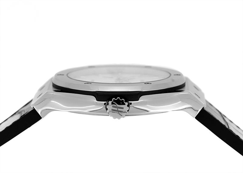 ウブロ 542.NX.2611.LR クラシックフュージョン チタニウム TI オパーリンシルバー文字盤 自動巻き アリゲーター/ラバー