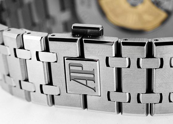 オーデマピゲ 15400ST.OO.1220ST.01  ロイヤルオーク SS 黒文字盤 自動巻き ブレスレット