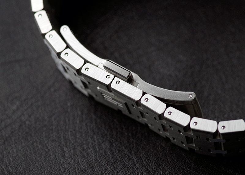 オーデマピゲ 15500ST.OO.1220ST.03 ロイヤル オーク SS 黒文字盤 自動巻き ブレスレット