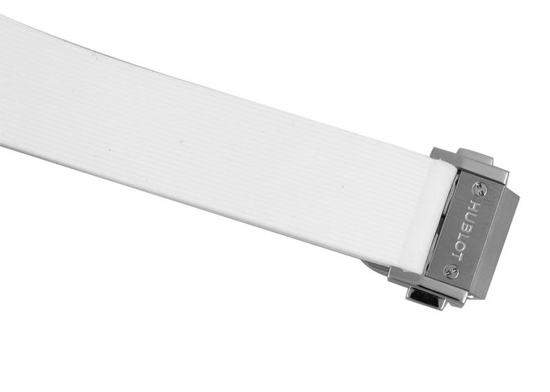 【中古】ウブロ 581.NE.6070.LR.1204.JPN16 クラシックフュージョン パールホワイト ダイヤモンド 日本限定 TI  シェル文字盤 自動巻き ラバー