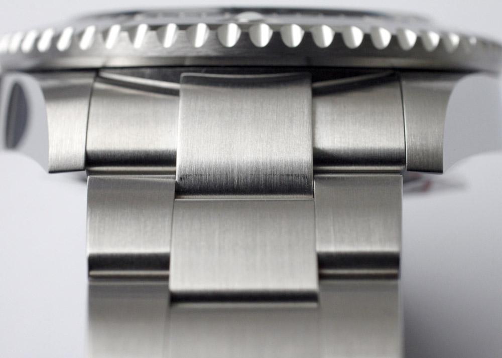 【国内正規未使用品】ロレックス 126600 シードゥエラー SS 黒文字盤 自動巻き ブレスレット