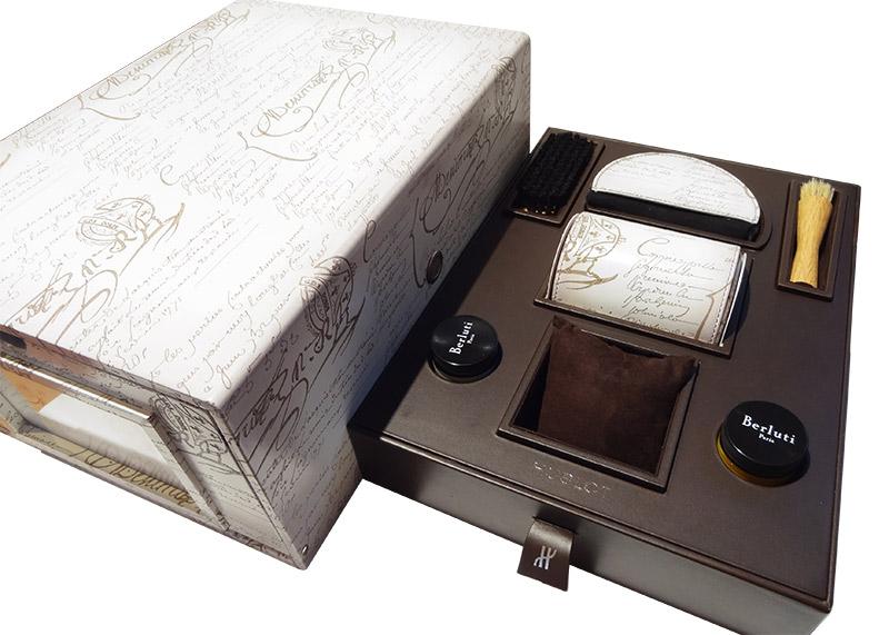 【未使用品】ウブロ 521.NE.050W.VR.JBER18 クラシックフュージョン クロノグラフ ベルルッティスクリット フラットビアンコ 日本100本限定 TI 白文字盤 自動巻き レザー