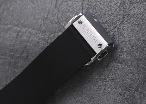 ウブロ 542.NX.1171.RX クラシックフュージョン チタニウム 42mm TI 黒文字盤 自動巻き ラバー