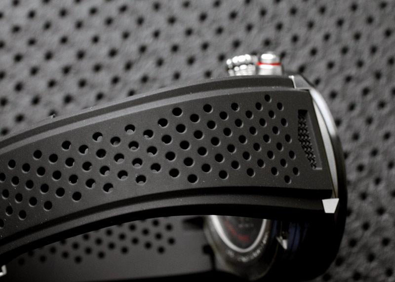 【未使用品】タグホイヤー CAR201V.FT6046 カレラ キャリバー ホイヤー01 TI/CE スケルトン文字盤 自動巻き ラバー