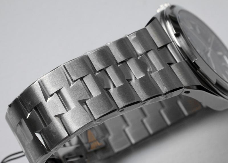 ヴァシュロンコンスタンタン 4500V/110A-B483 オーヴァーシーズ SS 黒文字盤 自動巻き ブレスレット