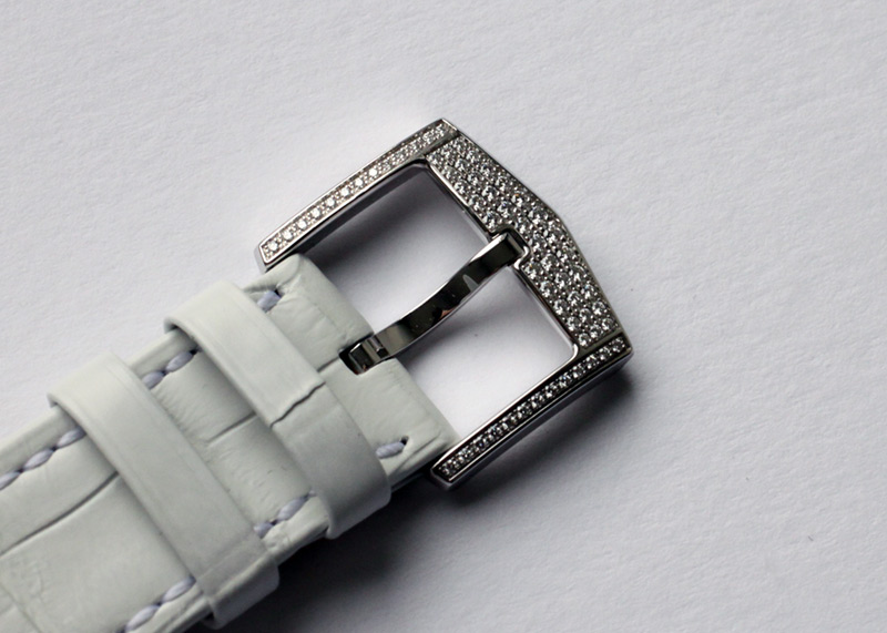 【生産終了】ハリーウィンストン オーシャン トリレトロ クロノグラフ ダイヤモンド OCEACT44WW002【中古】