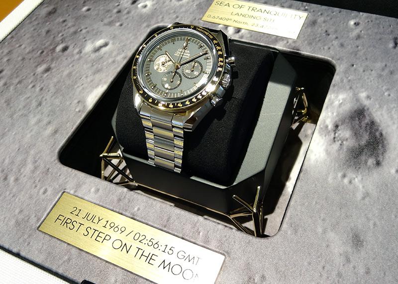 オメガ 310.20.42.50.01.001 スピードマスター アポロ11号 50周年記念モデル 6,969本限定 SS グレー/黒文字盤 手巻き ブレスレット