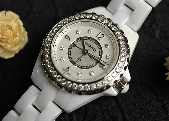 シャネル H2572 レディース J12 ベゼルダイヤモンド 29mm CE 白シェル文字盤/8Pダイヤモンド クォーツ ブレスレット