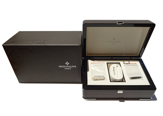 【中古】パテックフィリップ 5205R-001 アニュアルカレンダー RG 白文字盤 自動巻き レザー