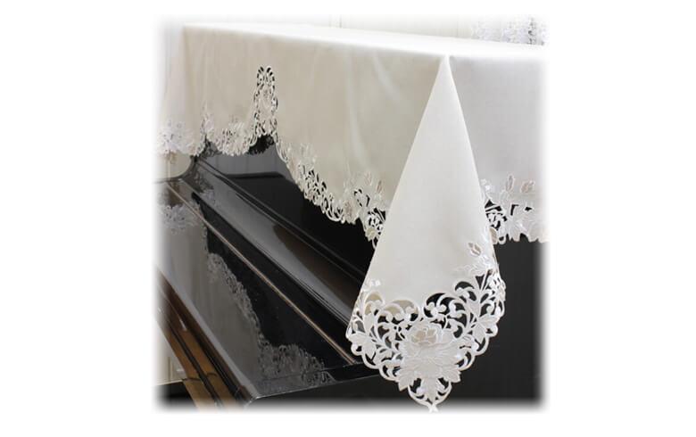 Rose Metopes カットワーク刺繍 ピアノカバー 約200×75cm