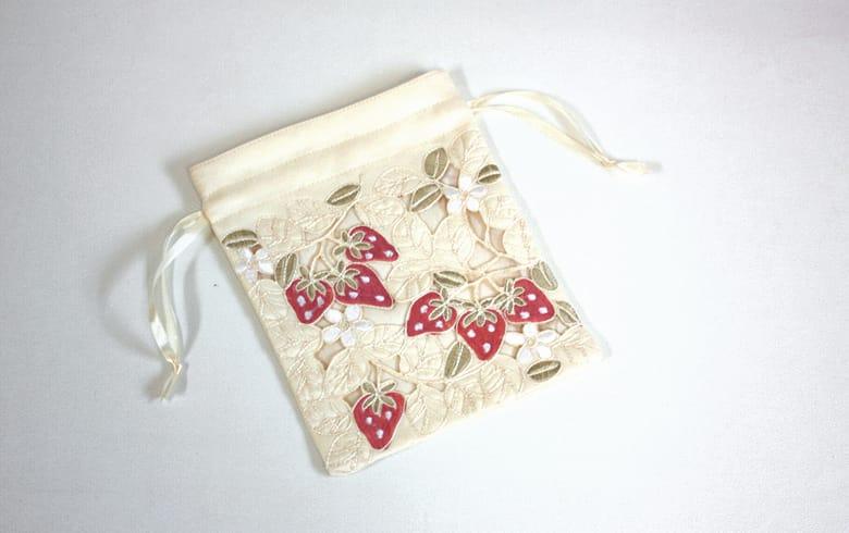 Strawberry embroidery いちご 巾着 約20×16cm
