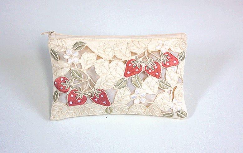 Strawberry embroidery いちご マルチケース 約12×20cm