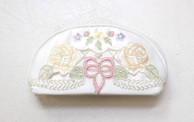 Ribbon & Rose 刺繍&カットワーク 眼鏡ケース 約7.5×15.5×4cm