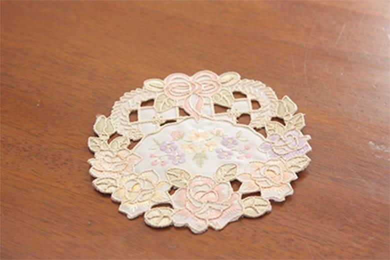 Ribbon & Rose 刺繍&カットワーク コースター 約12cm
