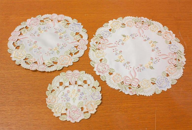 Ribbon & Rose 刺繍&カットワーク ドイリー 約20cm