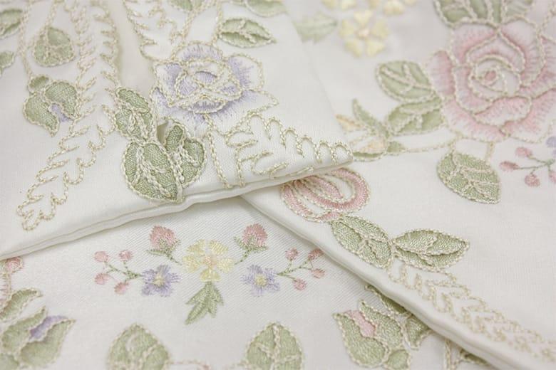 Ribbon & Rose 刺繍&カットワーク ペーパーホルダー 約16×36cm