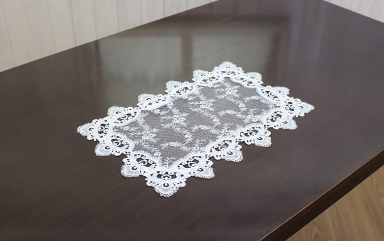 le quartz 刺繍&ギュピールレース テーブルセンター 約30×45cm