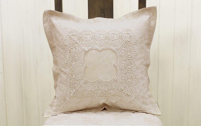 gracieux ローズ柄ジャカード織&ギュピール クッションカバー 約45×45cm
