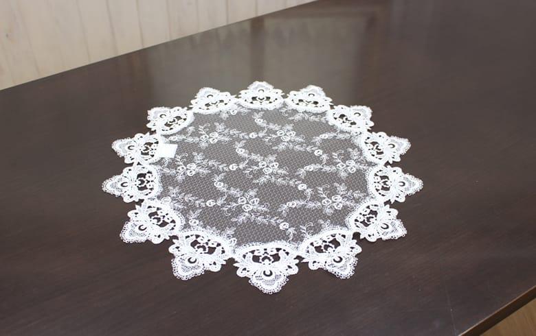 le quartz 刺繍&ギュピールレース テーブルセンター 約45cm