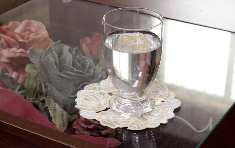 Champagne コード刺しゅう コースター 約12cm