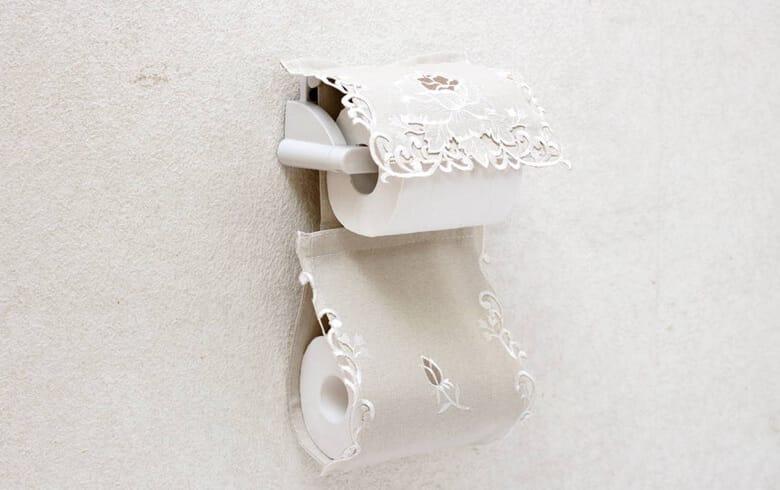 Rose Metopes カットワーク刺繍 ペーパーホルダー 約16×36cm