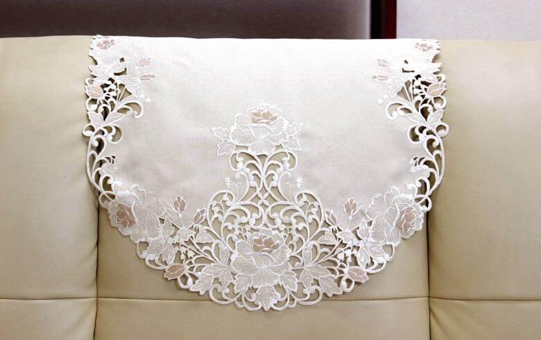 Rose Metopes カットワーク刺繍 ソファカバー(一人掛け) 約50×80cm