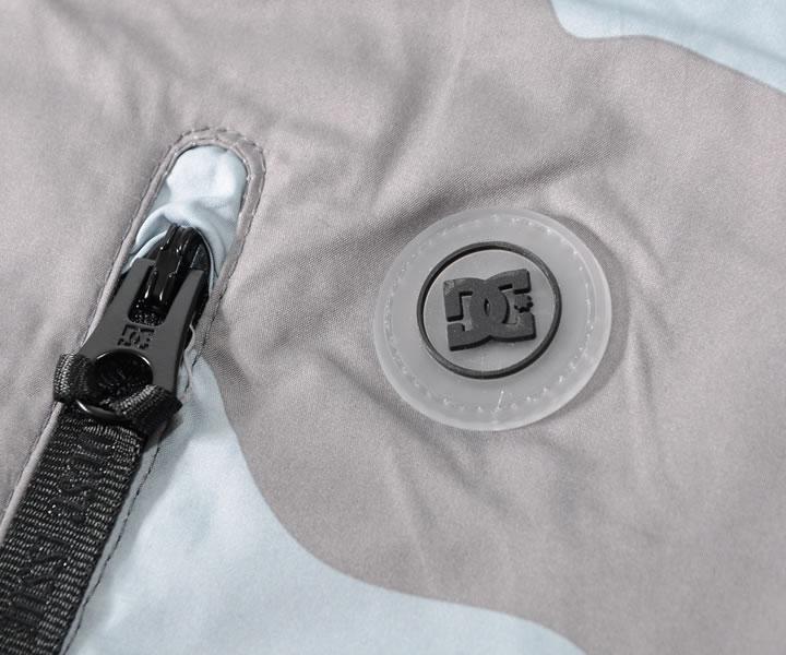 【セール】DC SHOES ディーシーシューズ ジャケット ウインドブレーカー 総柄 デザートカモ (ADYJK03083)