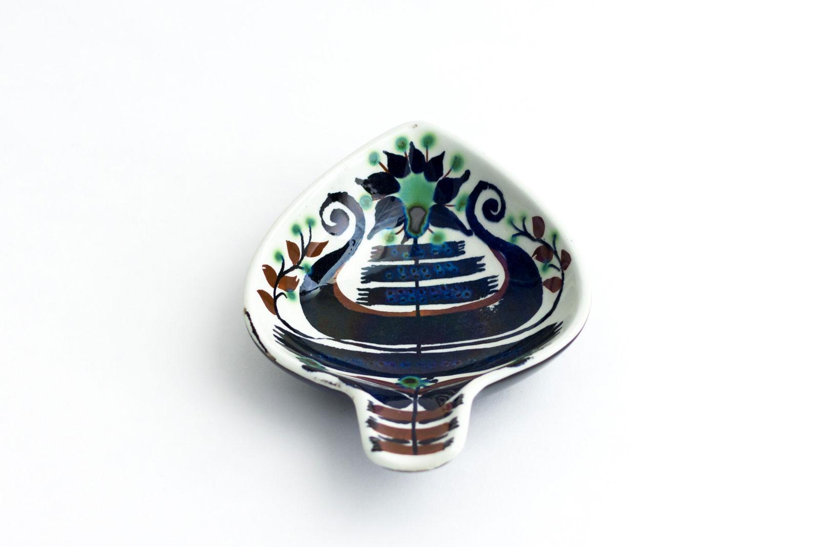 Pipe Holder designed by Marianne Johnson
