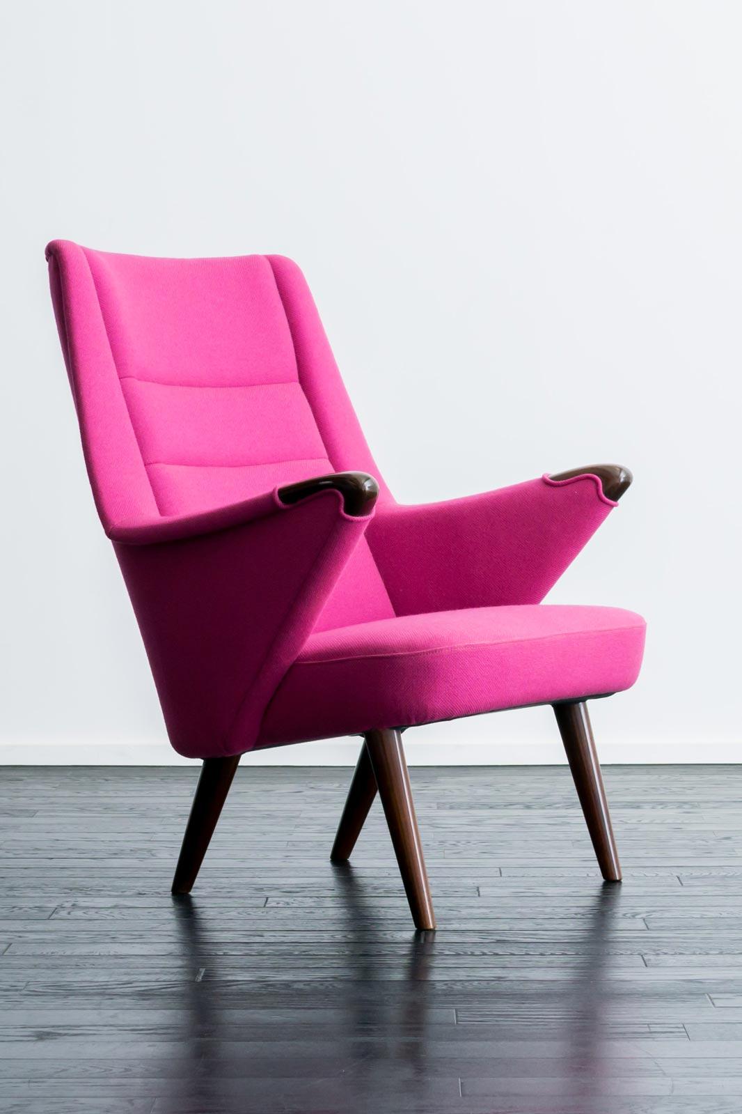 High back Chair