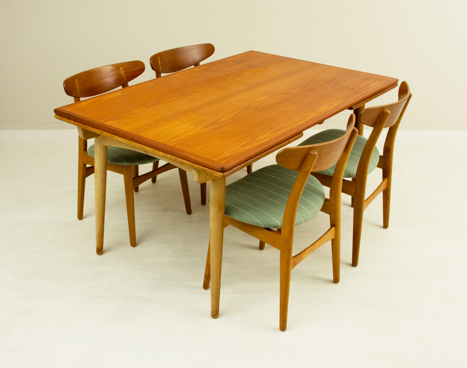 AT312 Table by Hans J Wegner