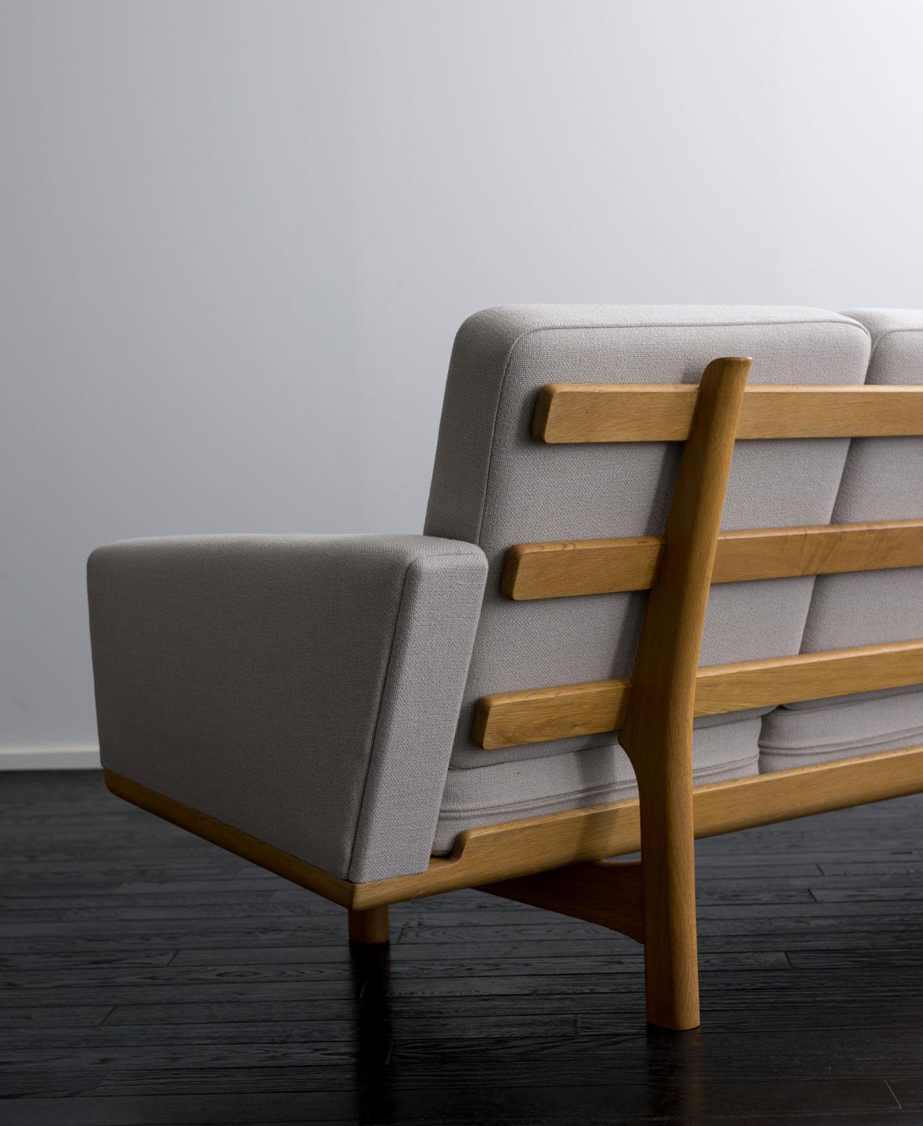GE236 Sofa by Hans J Wegner