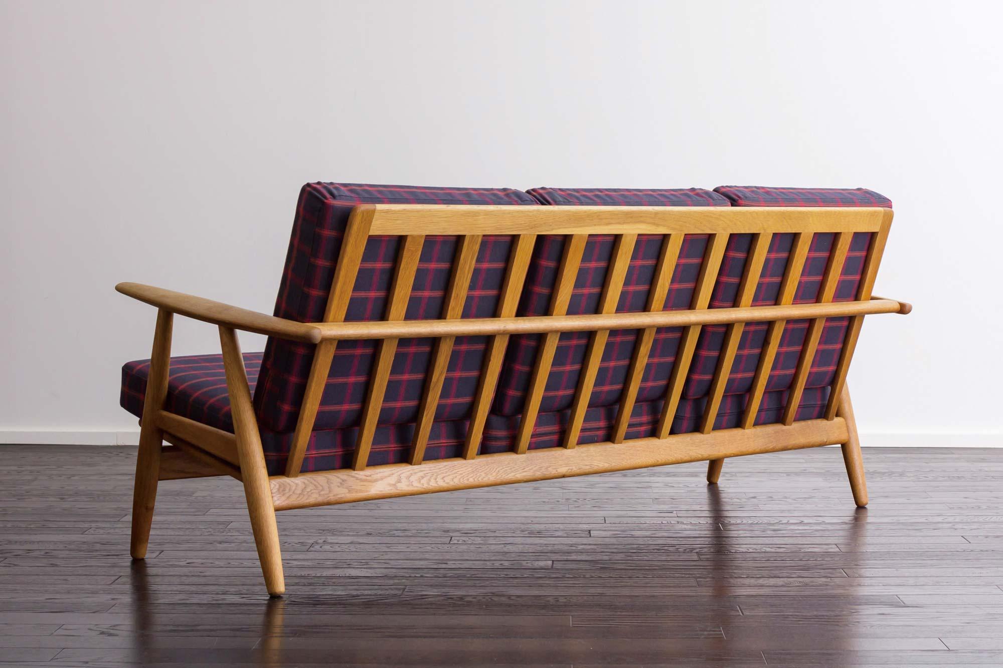 GE240 3seaters sofa by Hans J Wegner