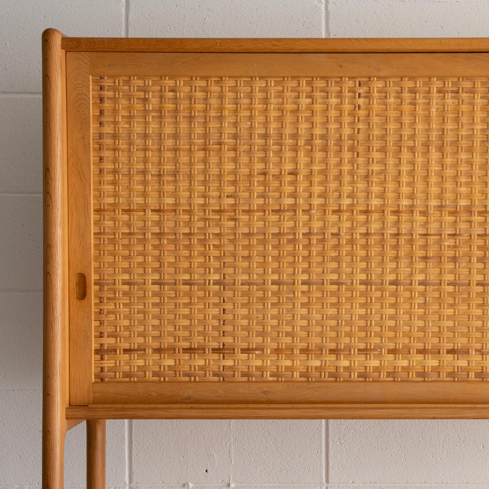 RY20 Cabinet by Hans J Wegner