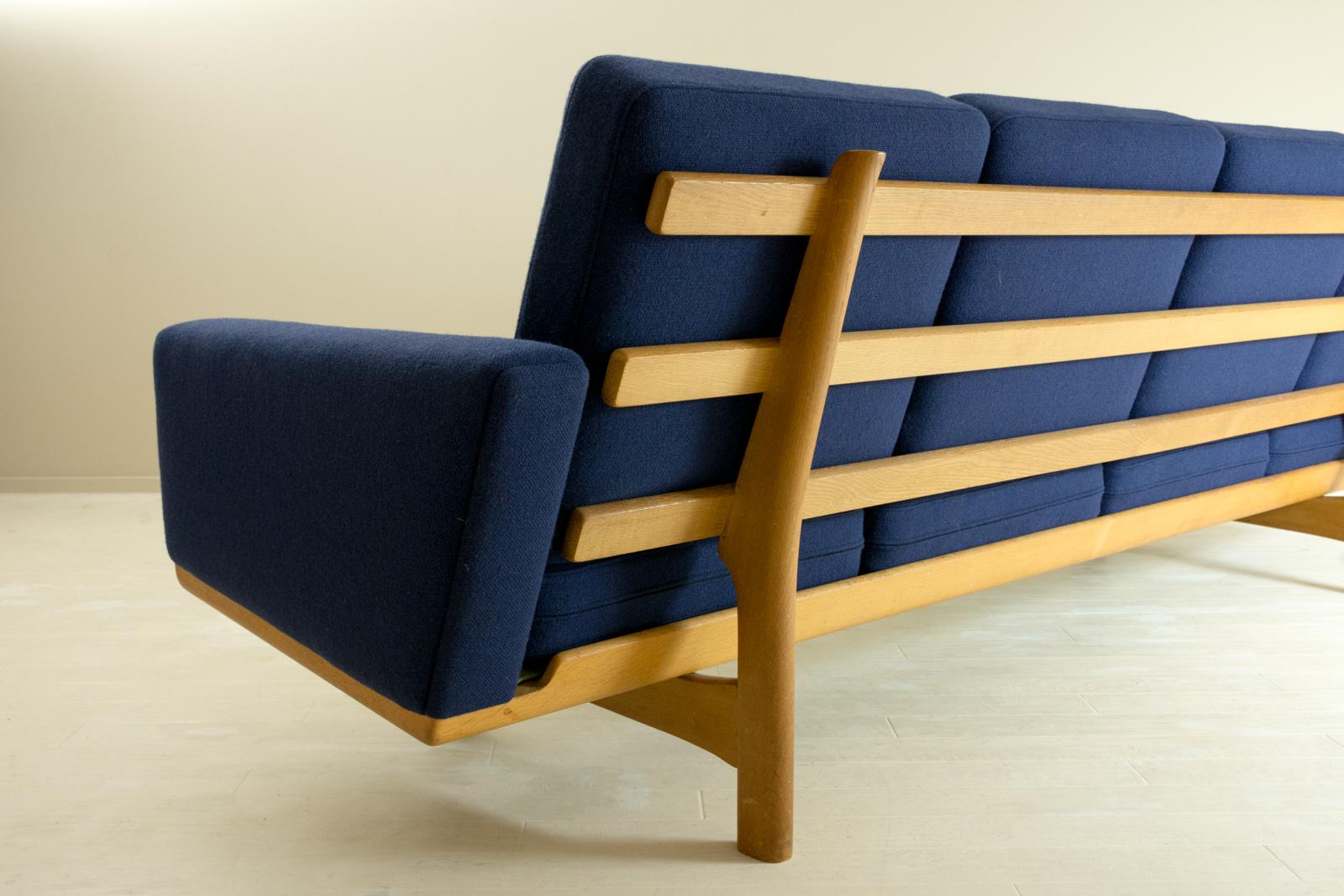 GE235 Sofa by Hans J Wegner