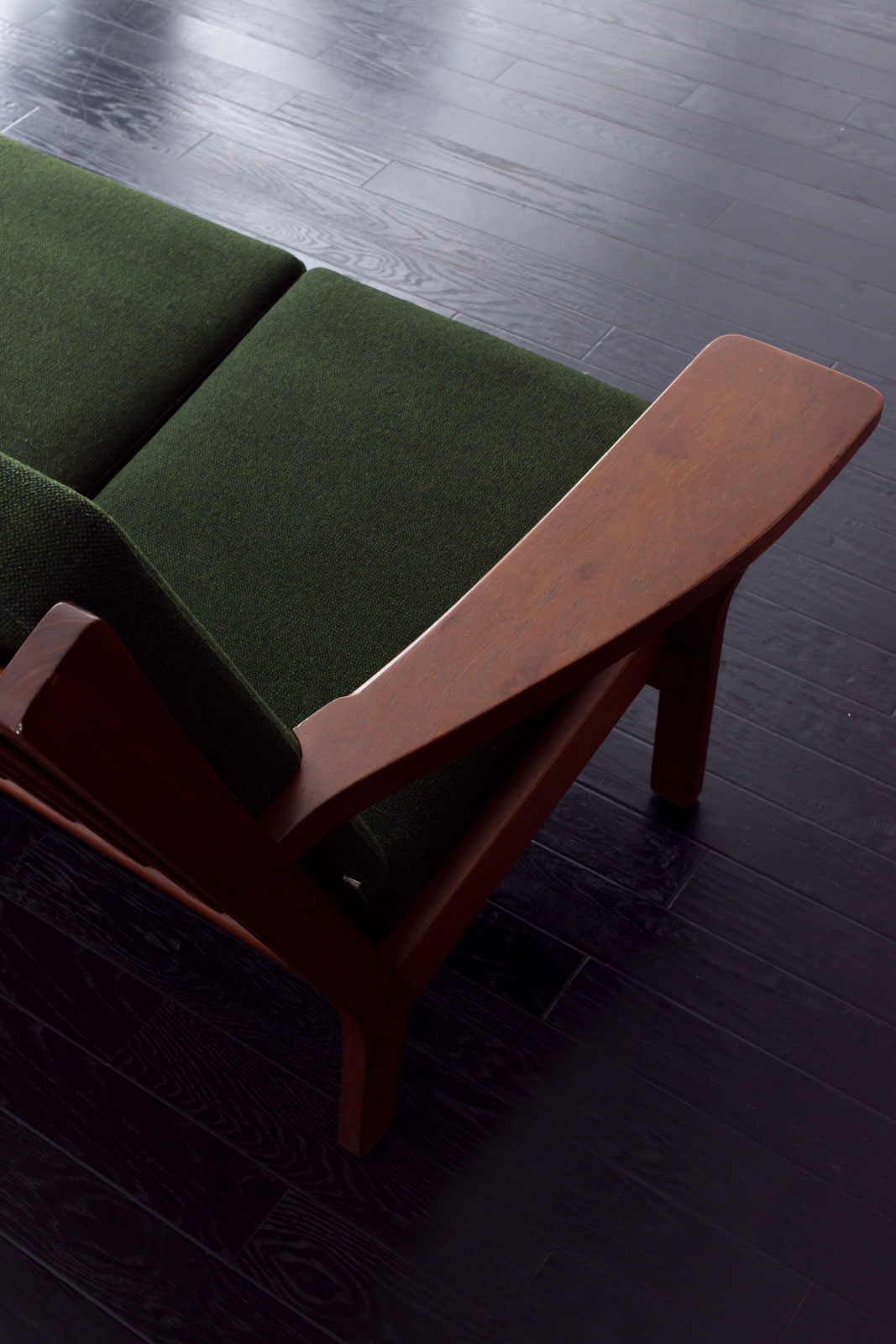GE330 3seaters sofa by Hans J Wegner