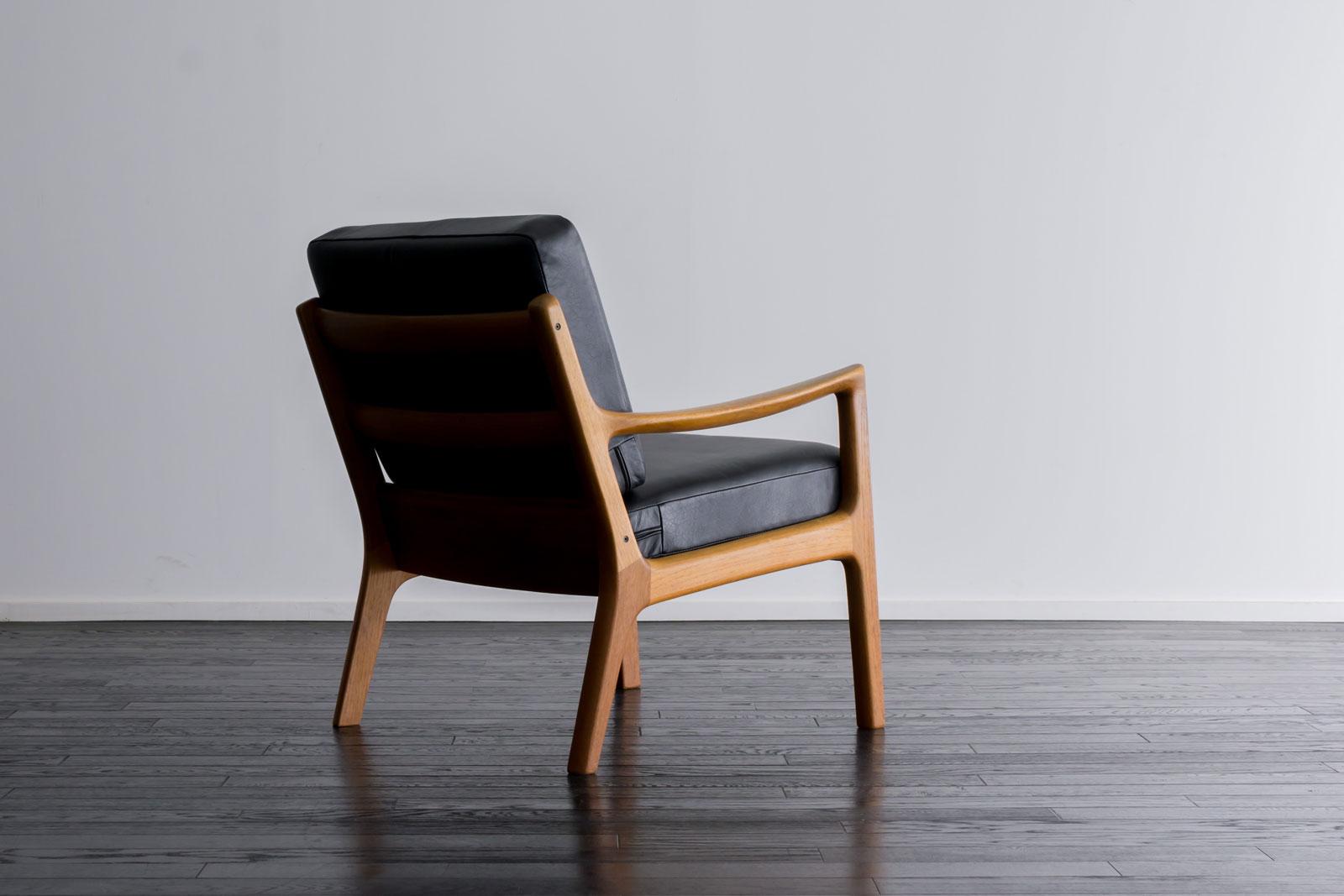 #169 Senetor Chair + ottoman by Ole Wanscher