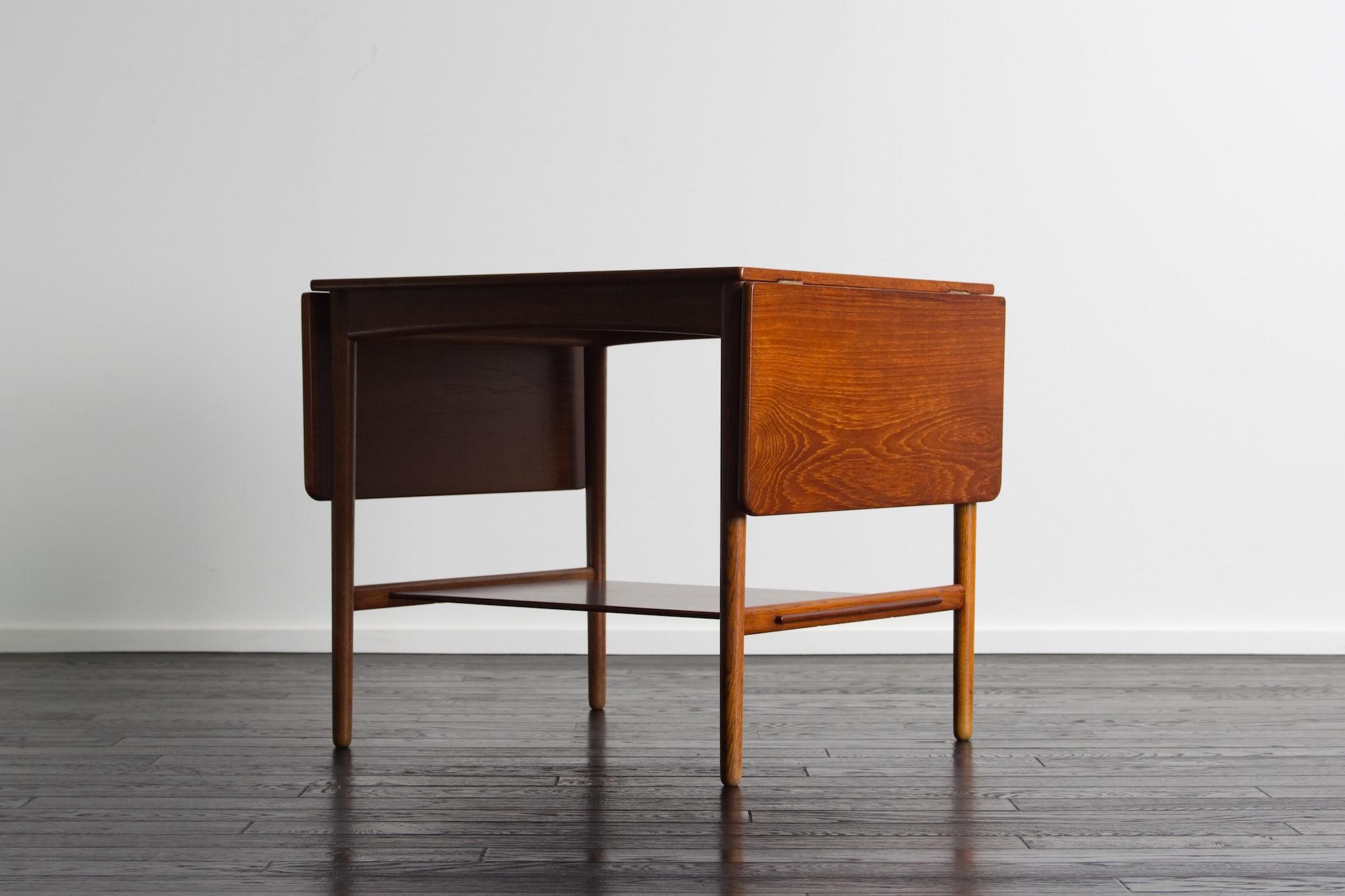 AT32 Coffee Table by Hans.J.Wegner