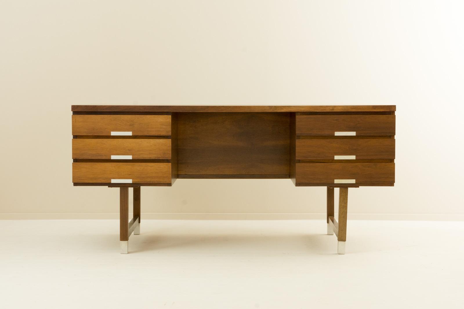 EP401 Desk by Kai Kristiansen