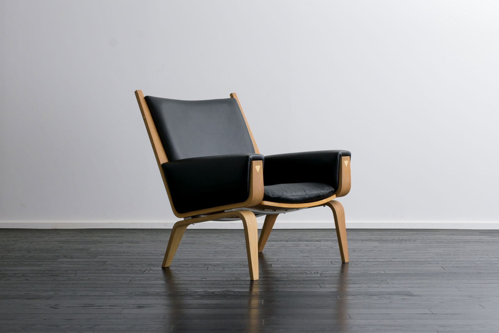 GE501 Easy Chair by Hans.J.Wegner