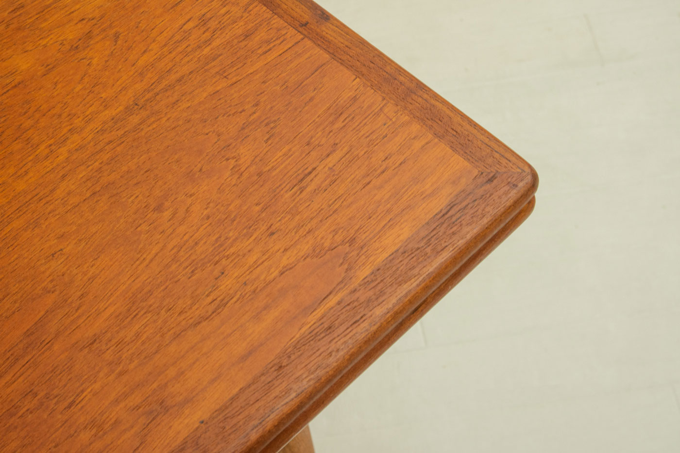 AT312 Dining Table by Hans J Wegner