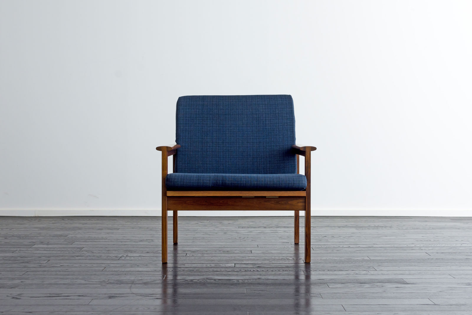 Model4/Capella Arm Chair by Illum WIkkelso