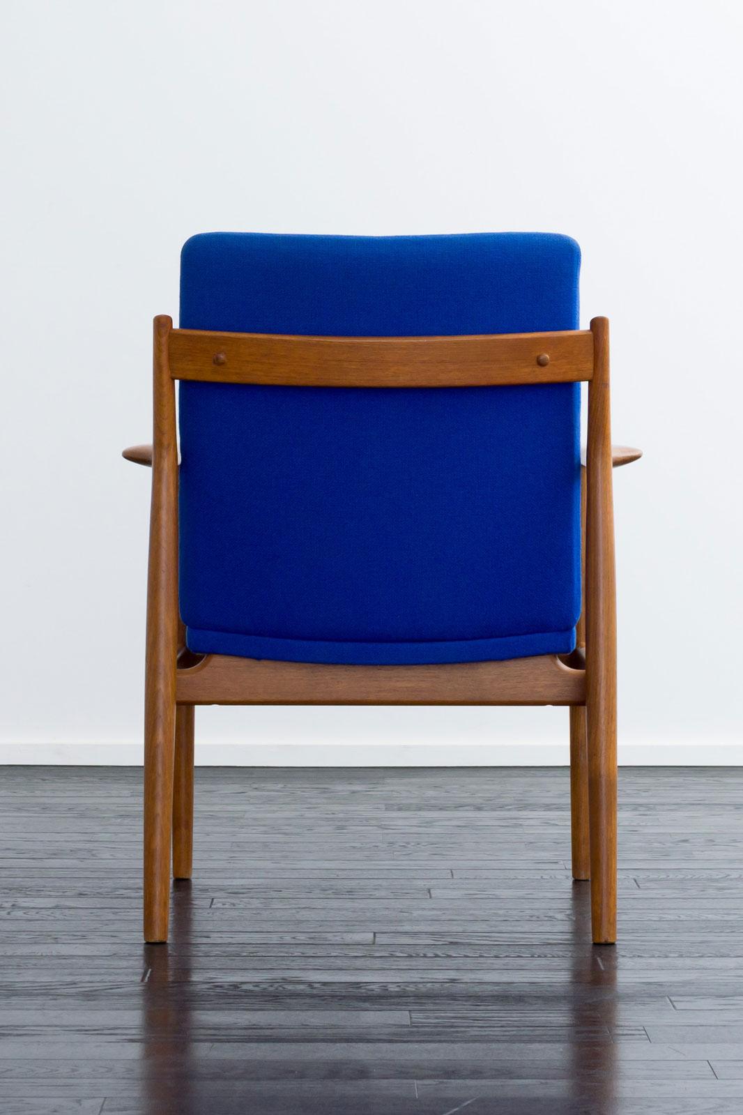 #431 Arm Chair by Arne Vodder