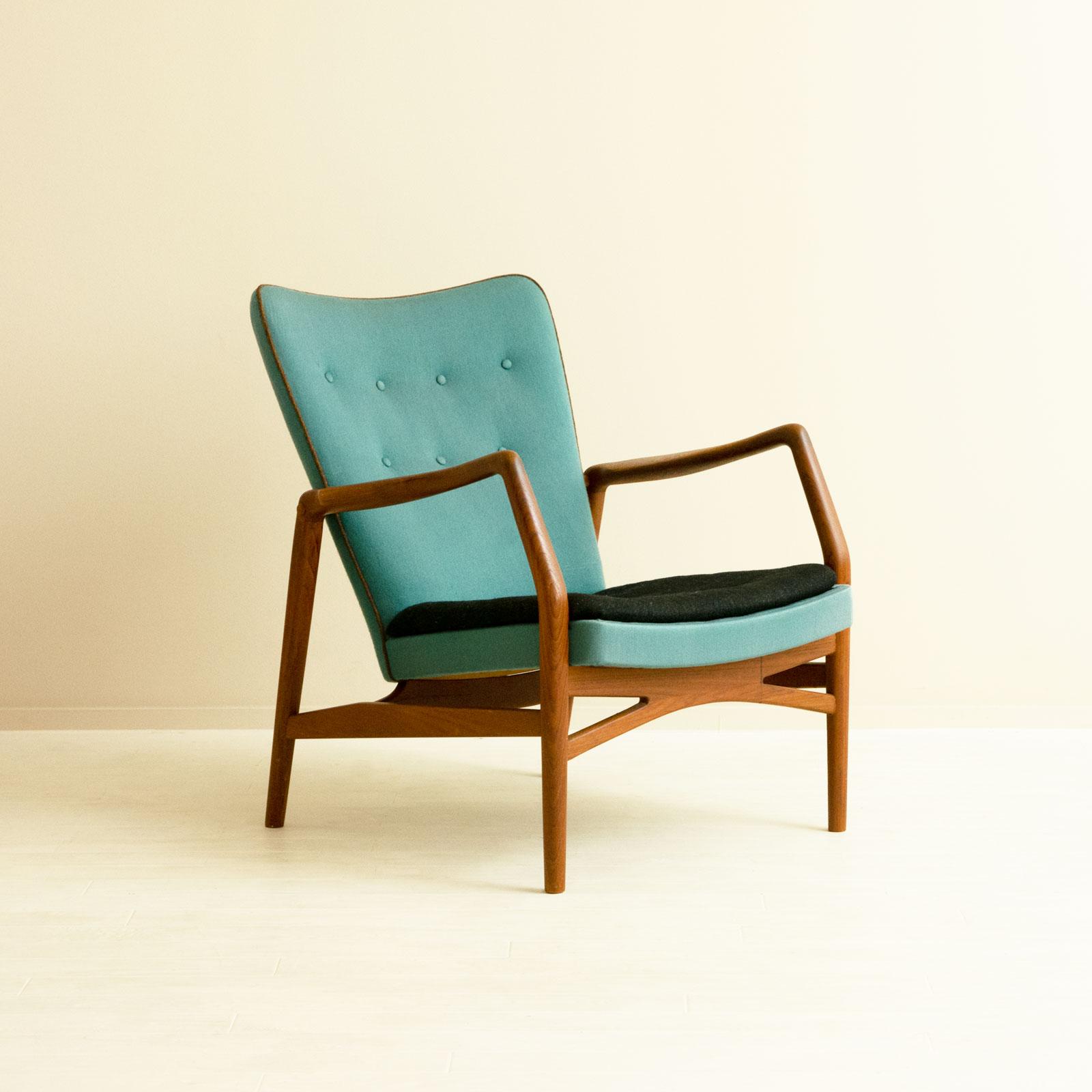#215 Single Sofa by Kurt Olsen