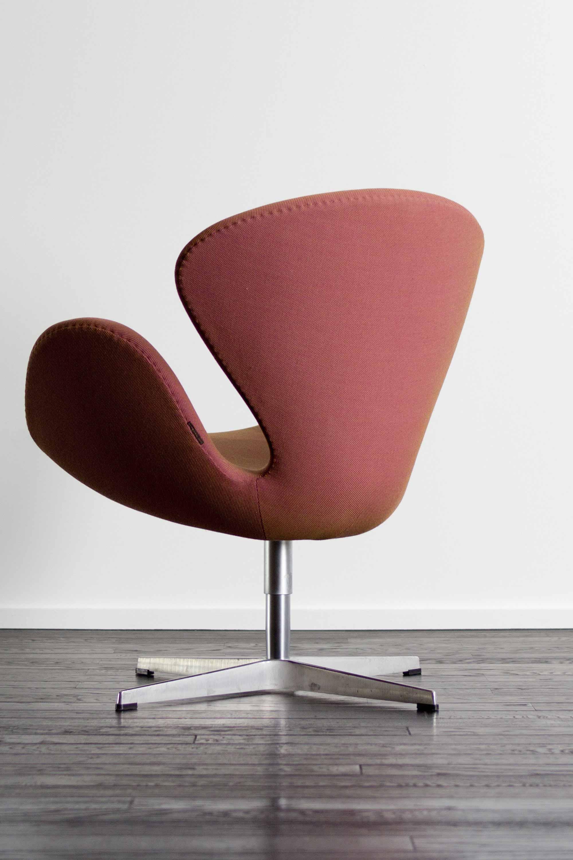 Swan Chair by Arne Jacobsen