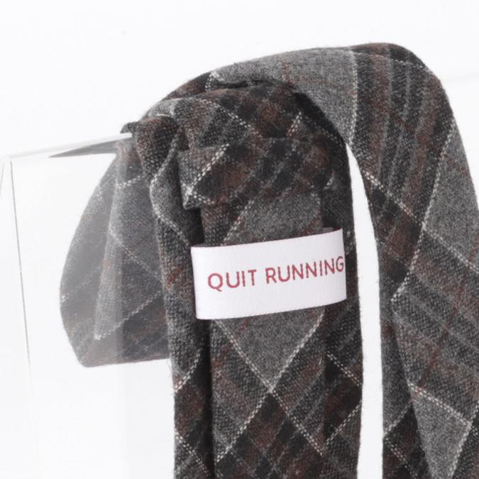 英国ブランドQuit Running ウールタイ  グレー ブラウン タータン クイトランニング ギフトBOX付 ハンドメイド