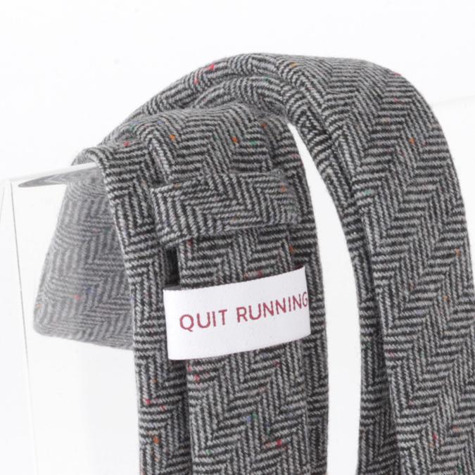 英国ブランドQuit Running ウールタイ  グレー ヘリンボーン クイトランニング ギフトBOX付 ハンドメイド