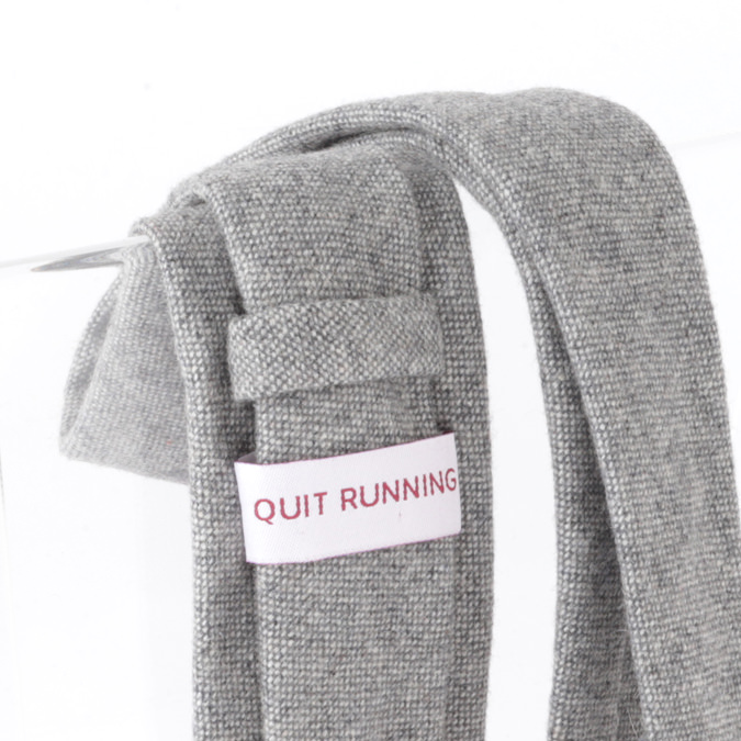 英国ブランドQuit Running ウールタイ  グレー ドニゴール クイトランニング ギフトBOX付 ハンドメイド